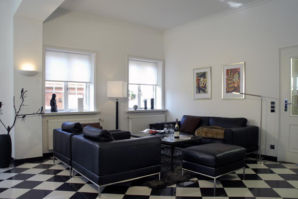 Moderne gem tlichkeit modern wohnzimmer in weiss for Eingerichtete wohnzimmer modern