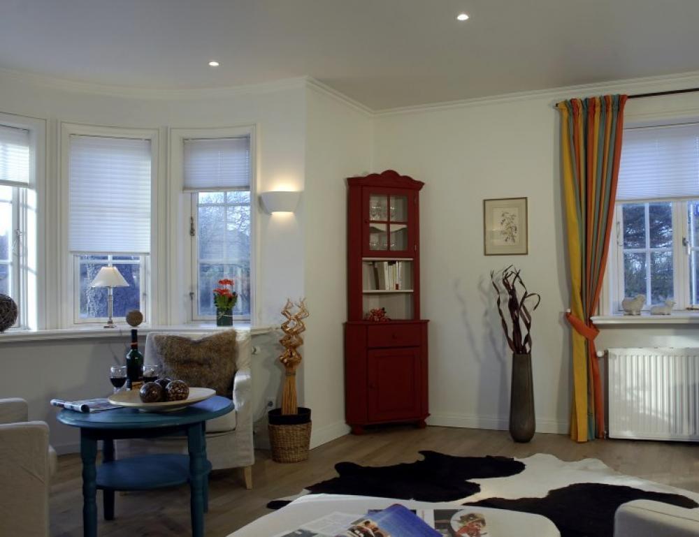 Wohnzimmer gestalten braun tonen - Tapeten landhausstil wohnzimmer ...