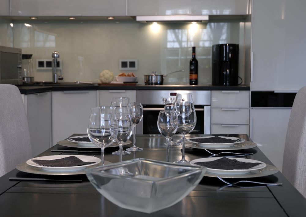 Edles Küchenduell Kueche Modern in Schwarz
